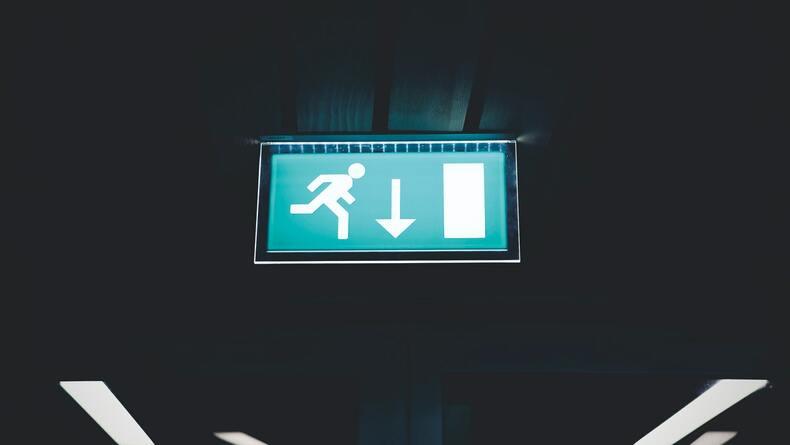 転職以外のブラック企業から脱出する方法