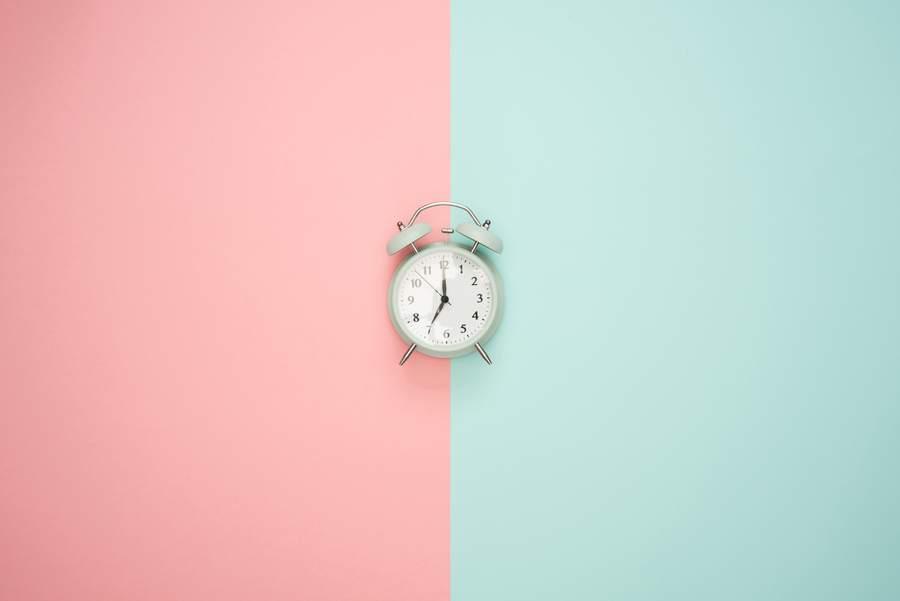 なぜ時間を早く感じるのか
