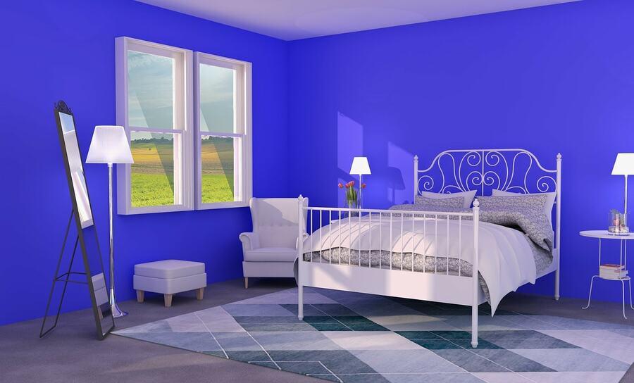 時間を早く感じる青い色をどう取り入れるか