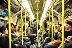 満員電車のストレスによる悪影響