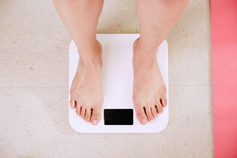 社会人になって太る理由