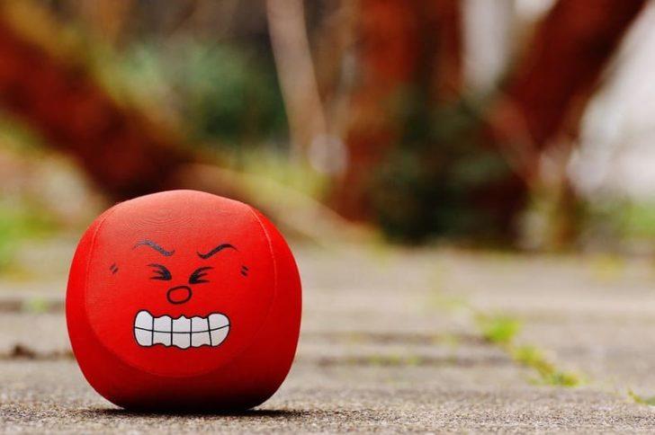 職場崩壊寸前なやばい職場の特徴