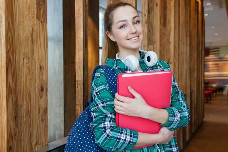 転職経験者の割合は男女や業界で違うのか